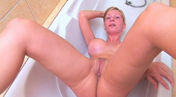 Helena Sweet in  21sextreme Pee with Helena January 07, 2007  Amateur, Blonde