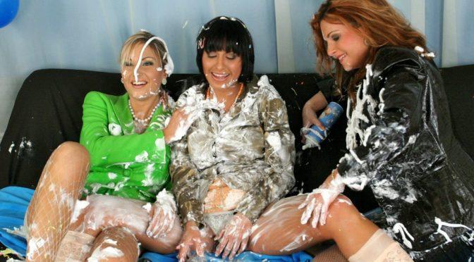 Jessica Fiorentino in  Allwam Silly Girls With Shaving Cream September 06, 2015  Lesbian