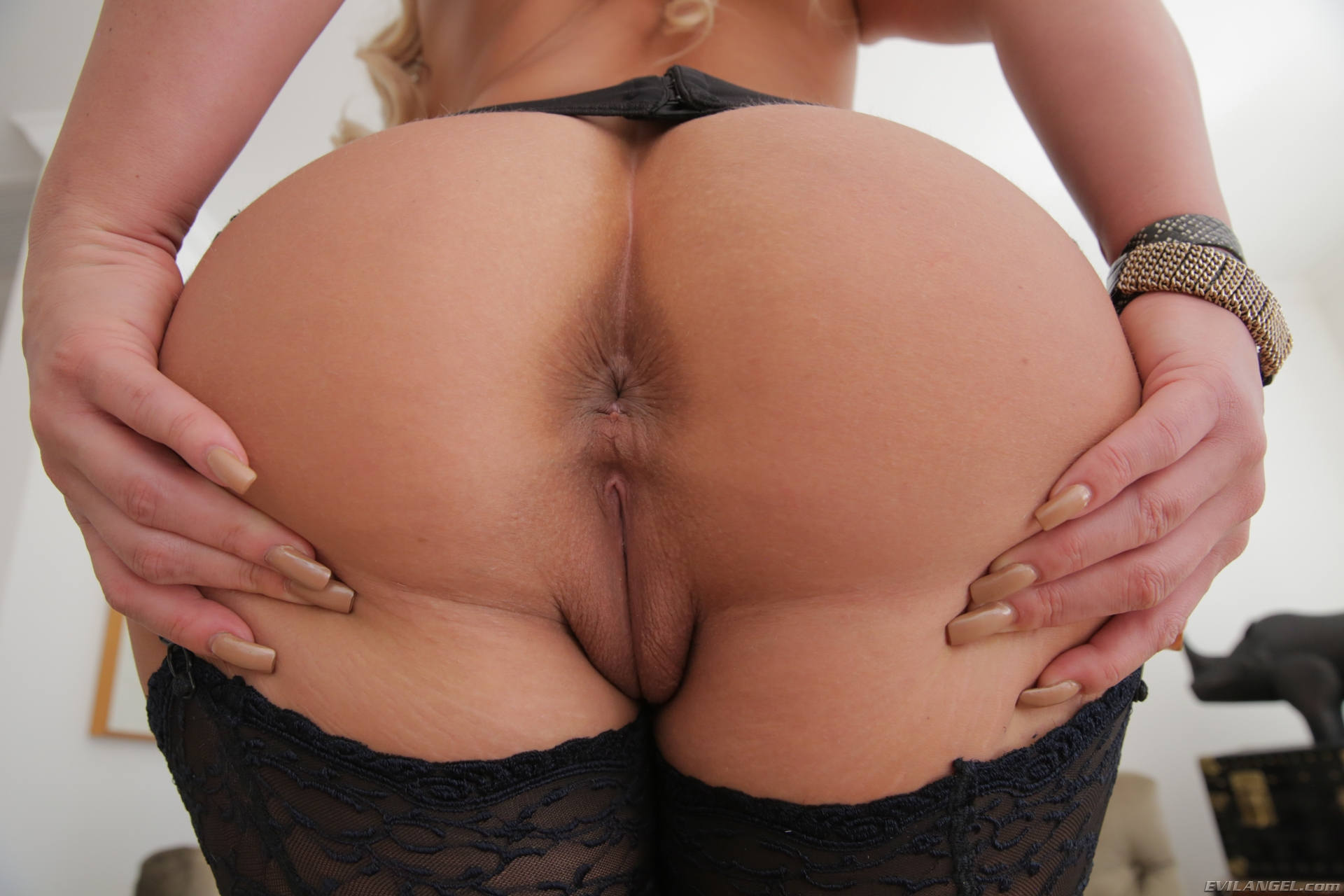 Big Ass Pornstar Solo Hd