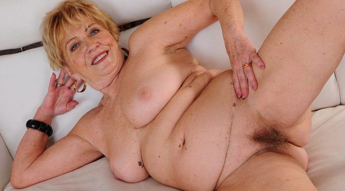 Malya in  21sextreme Malya, the Huntress March 21, 2014  Blowjob, Blonde