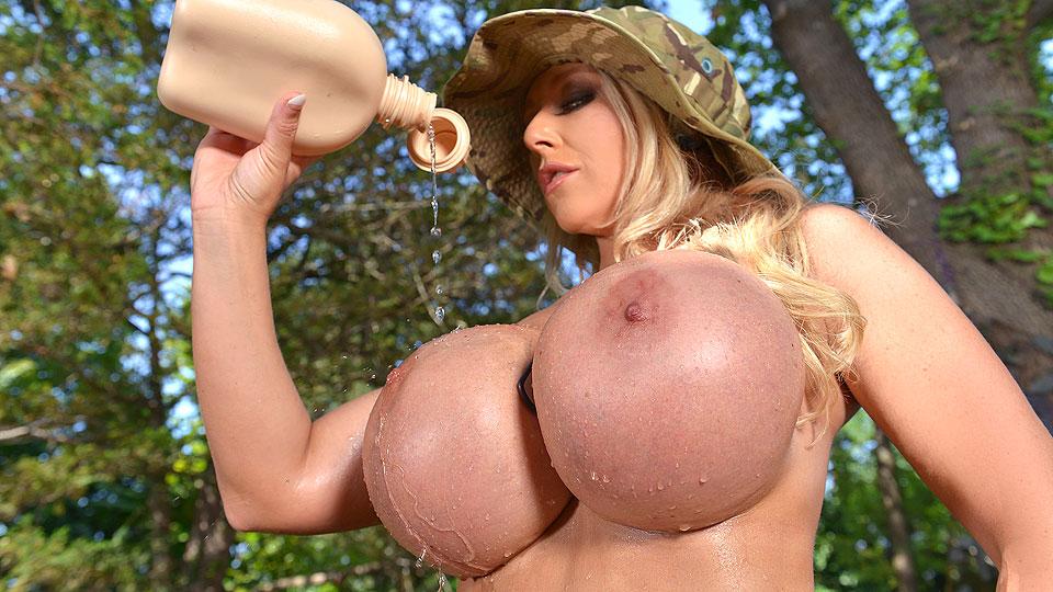 Big Tits Bombshell
