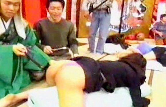 Upskirtcollection upskirt movie March 30, 2009  Sexy Up Skirt Pics