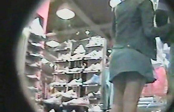 Upskirtcollection Ass upskirt in the shoe store December 21, 2010  Upskirt
