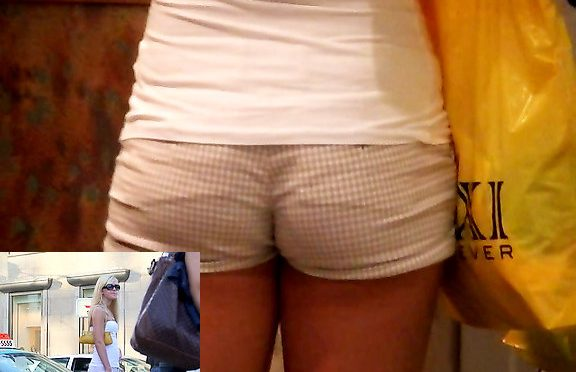 Upskirtcollection Delicious girl in shorts December 21, 2011  Hot Pants Jeans