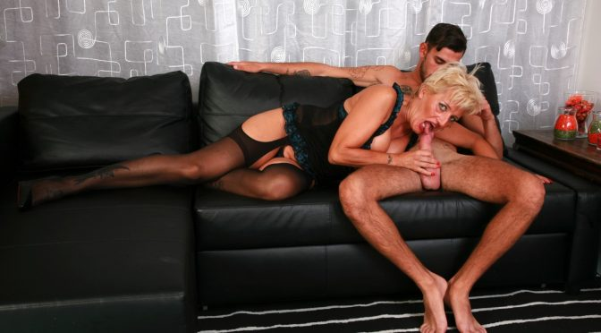 Fabry Horse in  Scambistimaturi Curvy blonde mature lady Shadow gets ass fucked by Fabry Horse November 14, 2019  Cum On Tits, Roby Bianchi