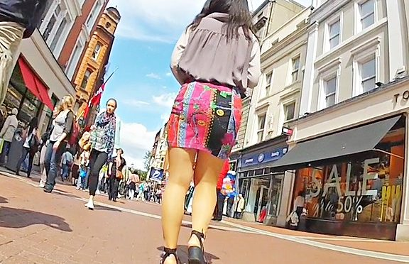 Upskirtcollection The tight upskirt of amateur in the street September 09, 2013  Tight Upskirt
