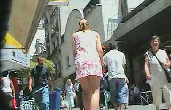 Upskirtcollection Short dress uncovering upskirt ass August 10, 2010  The Real Up Skirt