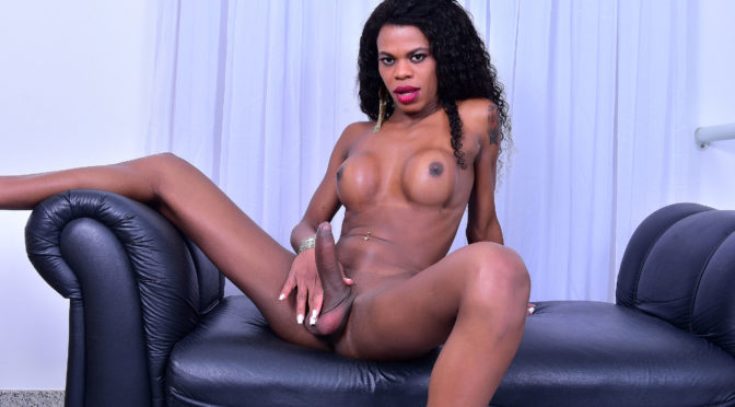 Lavinia Magalhes in  Brazilian-transsexuals Sweet Lavinia Magalhaes November 16, 2017  Transsexual