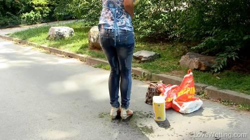 Nicol Vice in  Lovewetting Nicol Vice – Toilet paper June 29, 2015  Desperation, Wetting