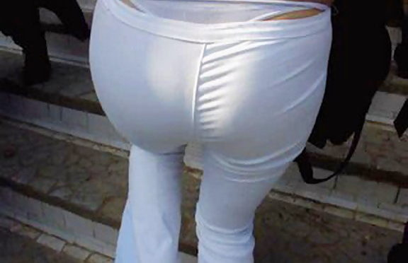 Upskirtcollection Strings sticking out of the pants May 10, 2006  Tight Ass In Jeans