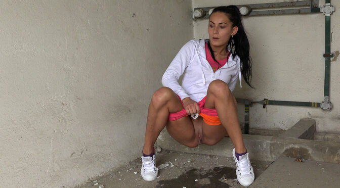 Got2pee Little Orange Shorts June 09, 2016  Everywhere, Crouching