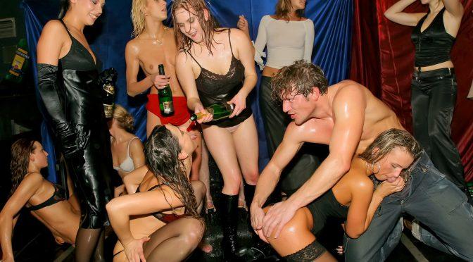 Sarah Twain in  Swingingpornstars DSO Holiday Extravaganza Part 4 – Main Edit August 01, 2014  Orgy