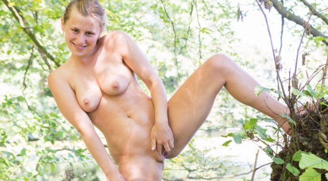 Juliana in  Abbywinters Nude Girls Peeing outdoors Juliana December 23, 2016  Xl Images, Explicit Posing