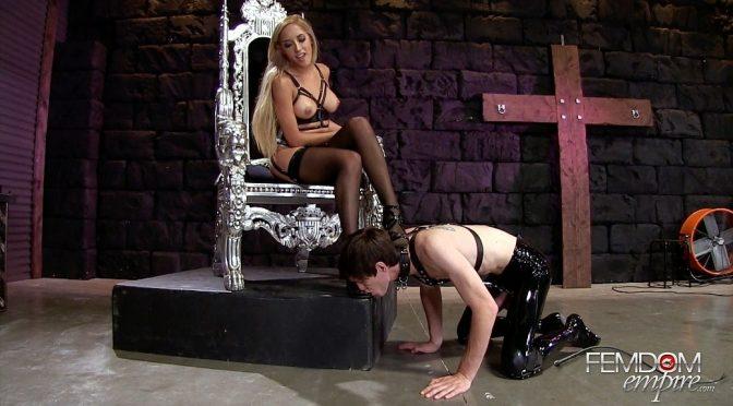 Chloe Amour in  Femdomempire Chloe's Foot Slave June 13, 2016  Foot Worship